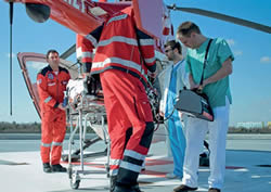 Luftgebundener Interhospitaltransport eines ECMO-Devices